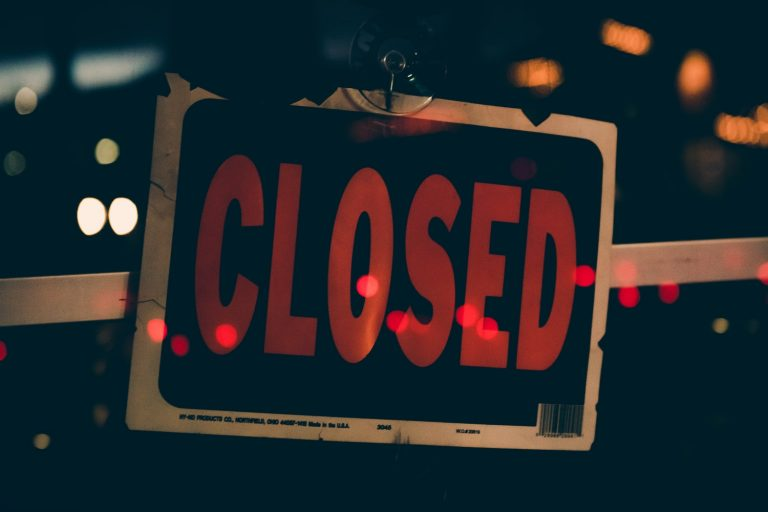 Close up image of a closed signboard
